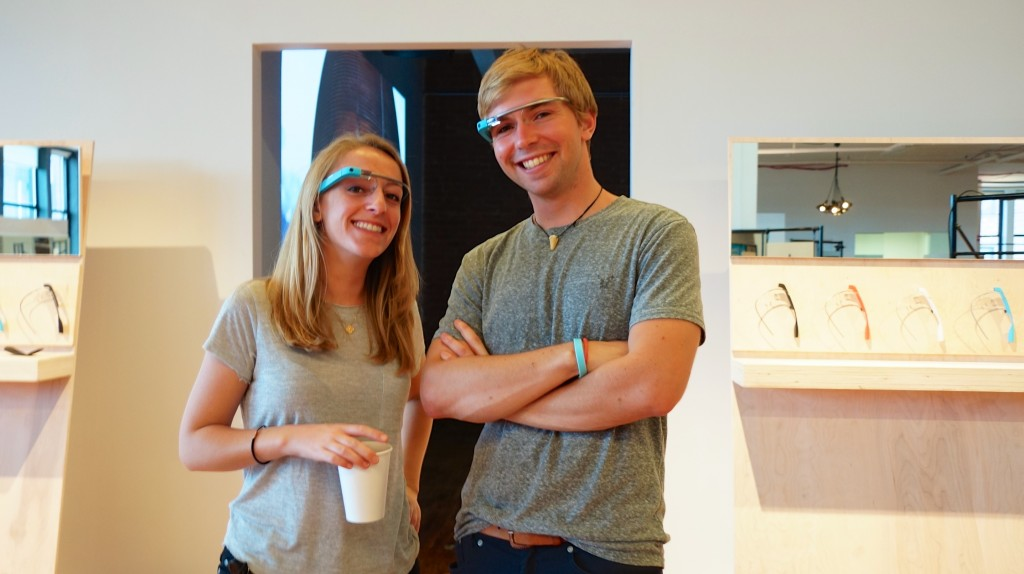 Google Glass OOB Experience 27133 - It's the (blue) Sky team!